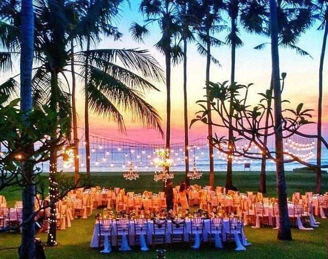 5 reasons to have a destination wedding in bali jetsetchristina 4 the sunsets are the best in the world junglespirit Images